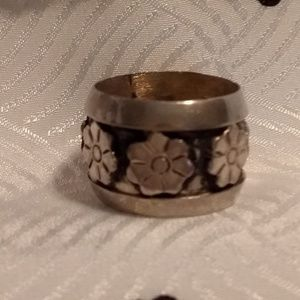 A Silver Band Ring